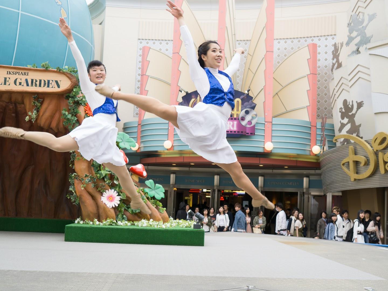 イクスピアリでダンスショー